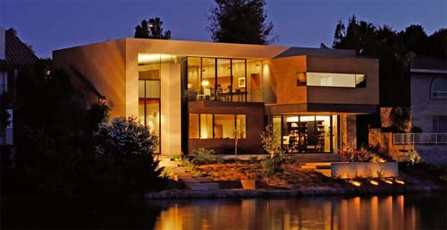 modern-house-design-of-lakes-residence