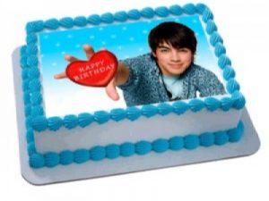 Fă-i celui mic o bucurie: un tort personalizat cu poza!