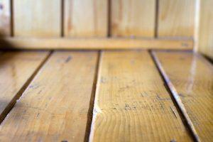 Reguli de respectat in lacuirea lemnului