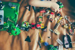 Dupa ce te ghidezi cand alegi cadoul pentru un copil?