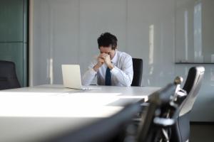 Cu nervii sub control – cum gestionam starile de nervozitate si de ce este important ajutorul psihologului