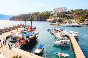 Te intereseaza un sejur in Antalya? Informatii utile despre zboruri